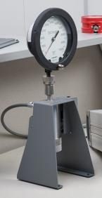 Contamination Prevention System for Pressure Calibration